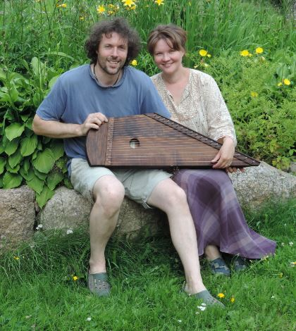 A Melodia Soitin owners, Anthony ans Satu, with a 21 string kantele.